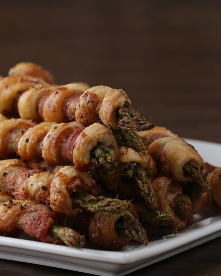 a 3 course meal, looks good!  i like the Bacon Asparagus Pastry Twists, that use a veggie and puff pastry.      lj