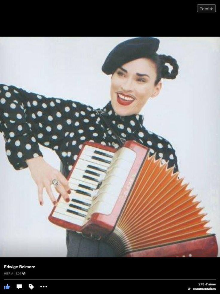 My little FB correspondance with Edwige:  Me: Hello Edwige, Maybe you could help solve a mystery for me. Once, very late at night, I saw a woman standing on a bridge in Amsterdam playing accordion. It was in the 1980s and she looked just like you. Could it have been you?  Edwige: Haha , that's a great dream... I wish it had been me. I only sang accompanied by an accordionist . In NYC. Darn, I wish I'd have been that person!