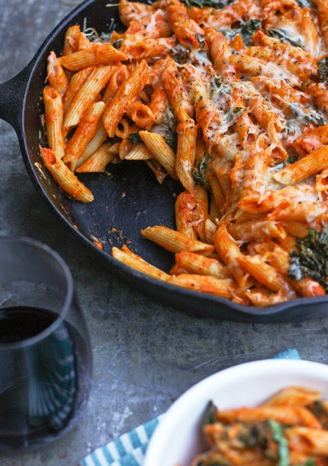 Comfort Food Monday: Roasted Red Pepper & Goat Cheese Pasta Bake