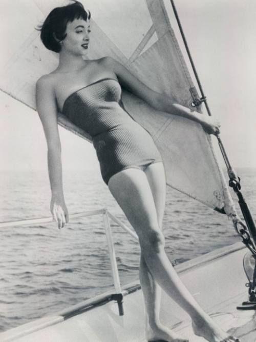 Carolyn Jones - Morticia!
