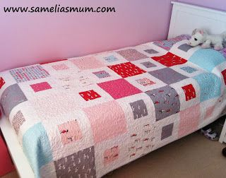 Samelia's Mum: 1 + 2 = Easy Quilt Pattern (Tutorial).  One layer cake plus 2 yards of solid for quilt top for one twin size quilt!