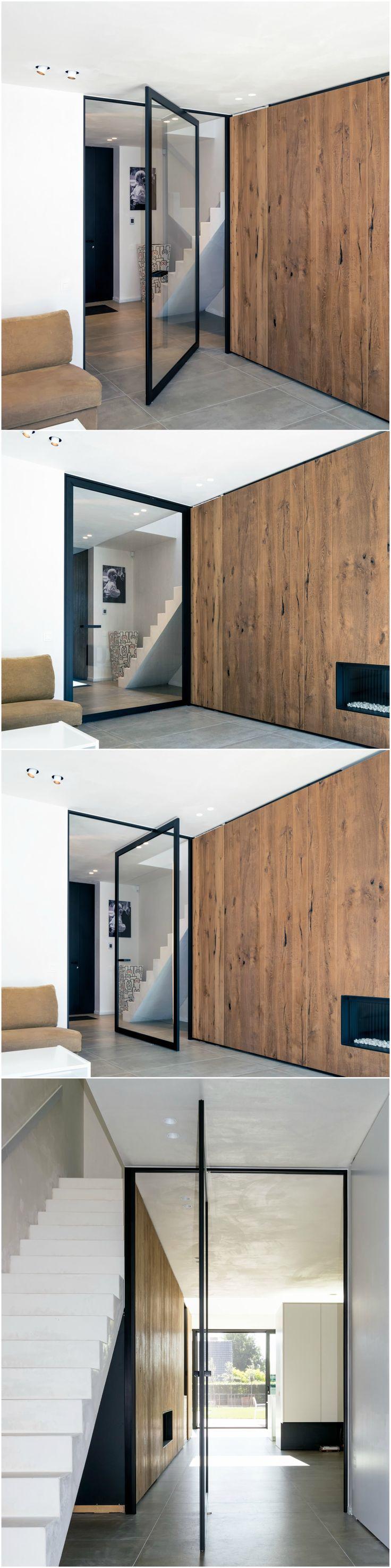 Moderne stalen taatsdeuren op maat van Anyway Doors. Het minimalistische kozijn zorgt voor een geluidloze afsluiting, waarbij je de deur in 2 richtingen 180° kan openen.