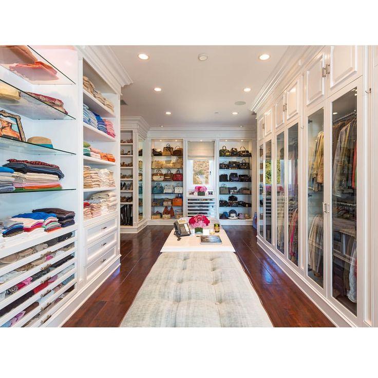 ❤️Creation of my imagination...... #HomeSweetHome #Malibu Parece mais uma loja!! Não gosto, muito grande.