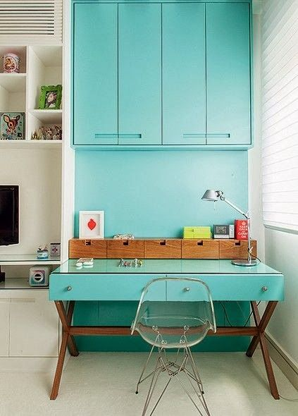 turquoise home office cabinets #decor #escritorios #homeoffices