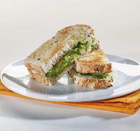 """Το σάντουιτς του περιβολιού με ψωμί σε φέτες """"Χωριανό"""" ΠΑΠΑΔΟΠΟΥΛΟΥ Πολύσπορο"""
