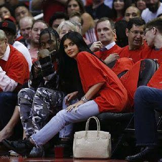海外セレブニュース&ファッションスナップ: 【カイリー・ジェンナー】噂のロマンスのお相手トラヴィス・スコットとNBA観戦デート!