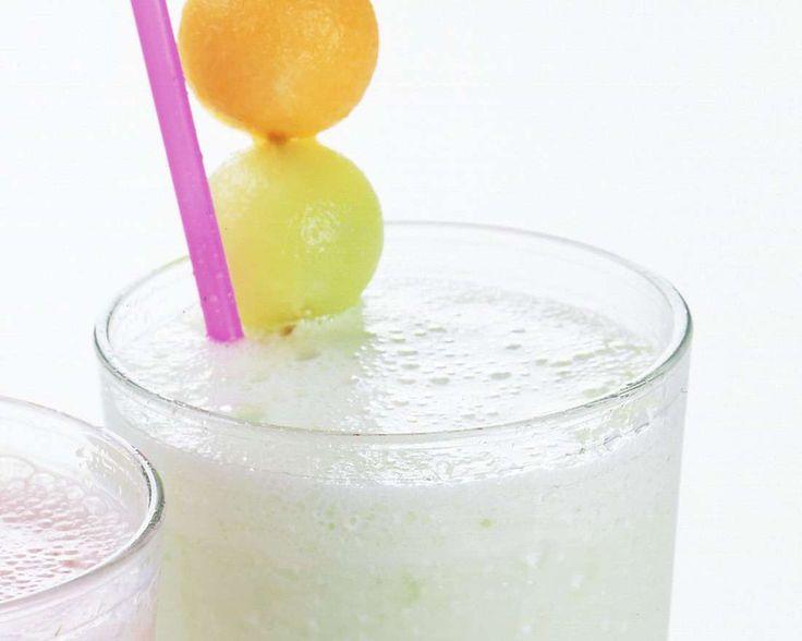 Melonen-Joghurt-Smoothie | Zeit: 5 Min. | http://eatsmarter.de/rezepte/melonen-joghurt-smoothie