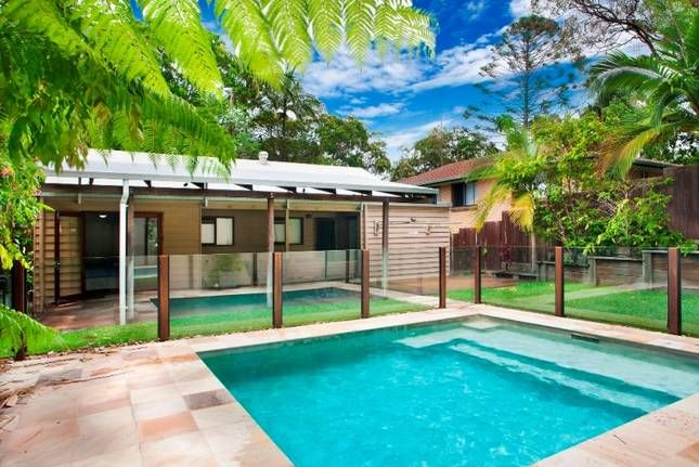 7 Depper | Sunshine Beach, QLD | Accommodation $202 8 ppl min 5 nights linen included
