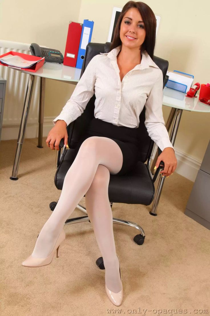 Free stockings picture galleries of women teasing by legs, heels, feet in nylon and pantyhose.