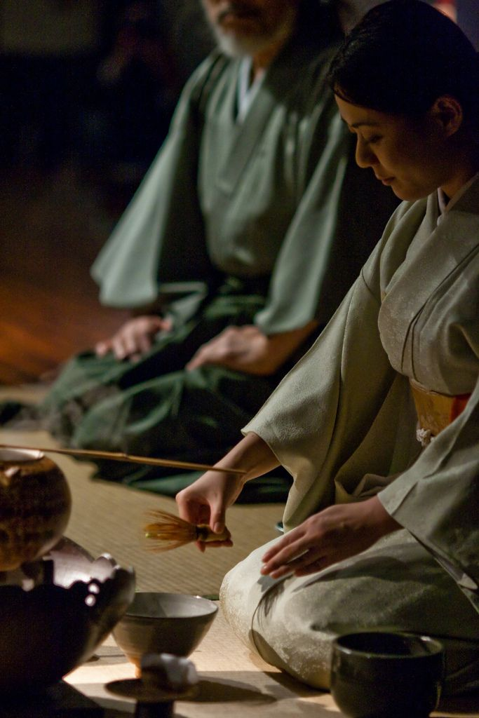 Japanese tea ceremony by ARO, via Flickr | KIMONO´s and TEA | pinned by http://www.cupkes.com/