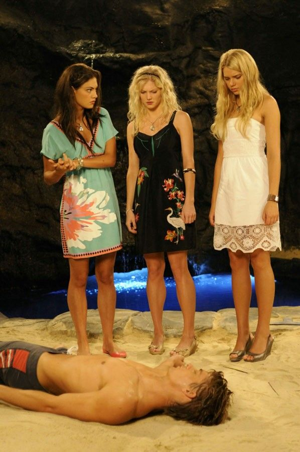 171 best h2o just add water mako mermaids images on for Mako mermaids cleo