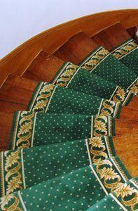 Tapis d'escaliers - Motif Pindots Petits points avec bordures feuilles d'acanthe - Coloris Vert et Or