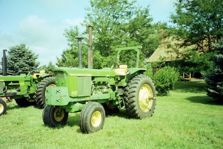 John Deere 4620 picture #8.The 4620 was introduced in 1970 as a replace for the 123hp 4520.4620-135 PTO hp from a turbocharged intercooled 404 cid diesel,12,980lbs,50 gallon fuel tank,,107 inch wheelbase