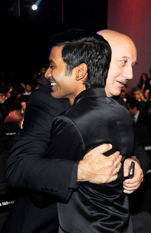 Anupam Kher and Dhanush hug each other Filmfare Awards 2014 #Style #Bollywood #Fashion #Handsome