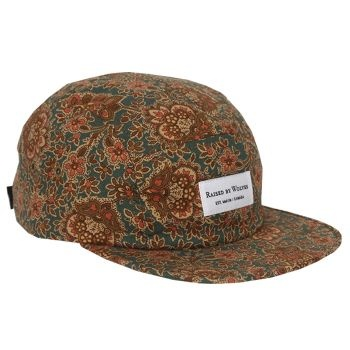 Raised By Wolves Algonquin 5 Panel Cap - Blue Civil War Paisley  Label: Raised By Wolves   Format: Cap  £25.00 (£30.00 inc VAT)     Canadian born brand Raised By Wolves takes its inspiration from Skate culture, Urban clothing, and other popular trends combining them to create unique and one of a kind pieces of clothing.   •	Blue Civil War Paisley colourway  •	Cotton body  •	Raised By Wolves woven label detail  •	Web fabric adjuster at the back  •	Made in USA