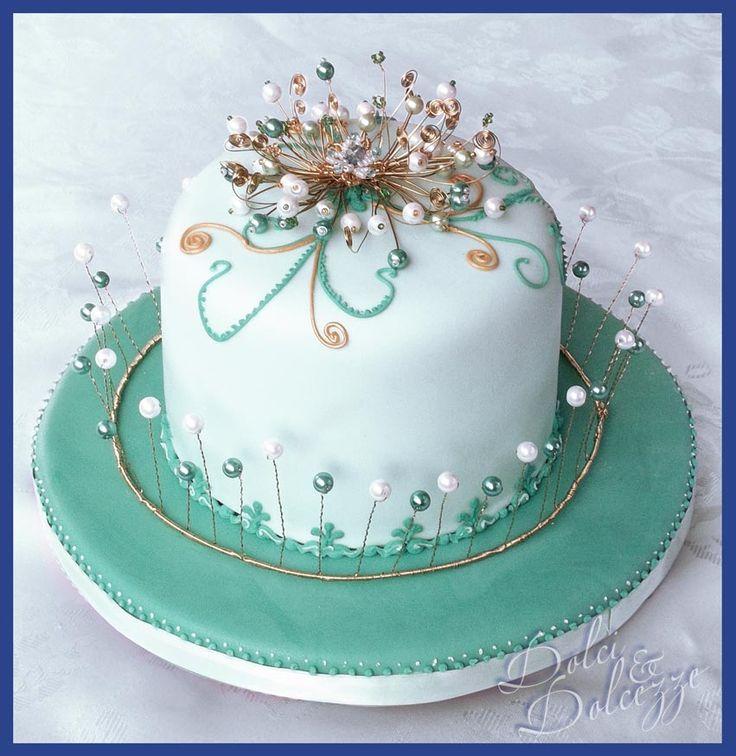 torta con fiore di perle per ricordo