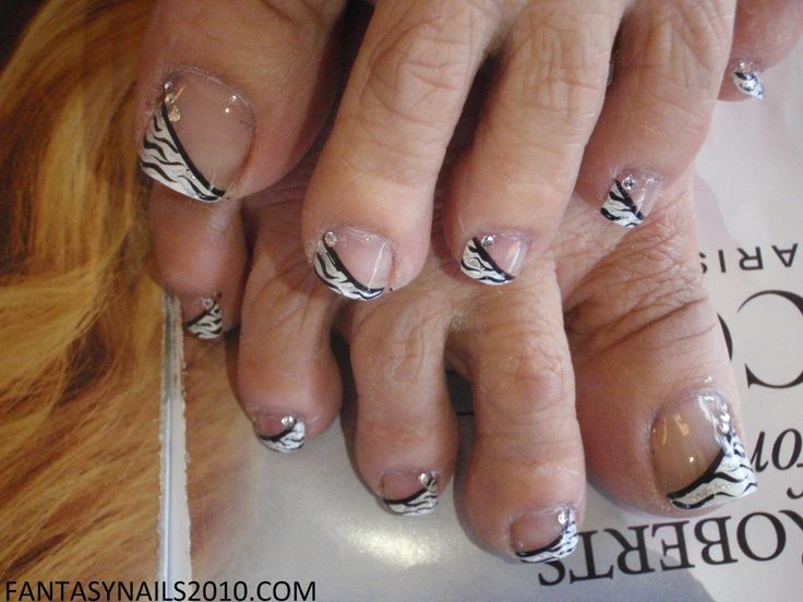 There is something really gross about these toes.. And what's with them being so close to hair?