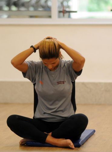 Saiba fazer alongamento para aumentar a flexibilidade - Fotos - Dieta e Boa Forma
