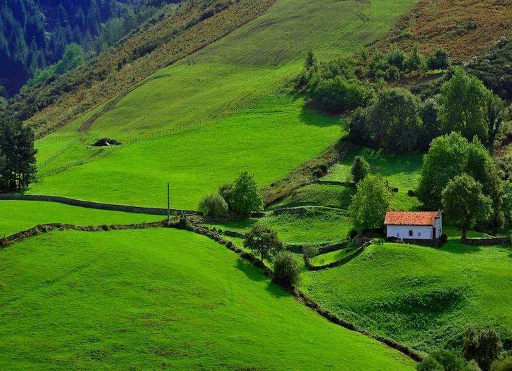 Das französische Baskenland und seine grossartigen Naturparks erwarten Sie! Entdecken Sie eine Gegend voller baskischer Tradition, Kultur und Geschichte – Kunst des Reisens mit Bontourism®.