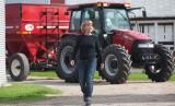 One of the most famous names in agriculture, Farmall tractors are sized to do it all around the home, farm, livestock operation, orchard, vineyard or construction site — anywhere you need to mow, blow, till, move or grade.