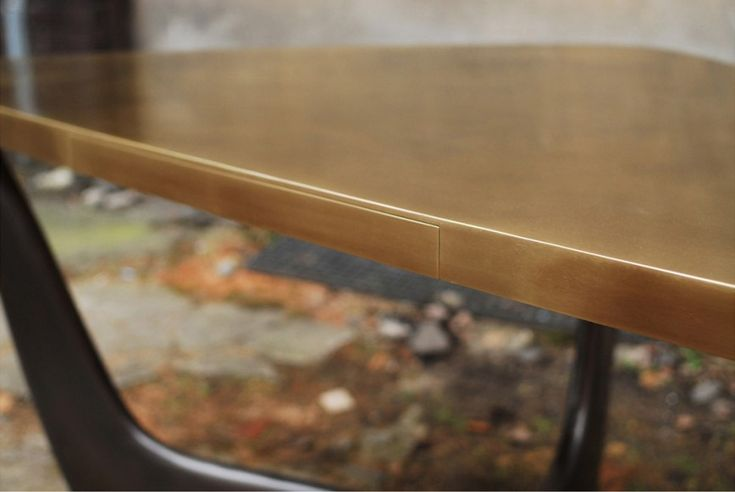 SANDY desk-bronze patinated by ATELIER STEFAN LEO