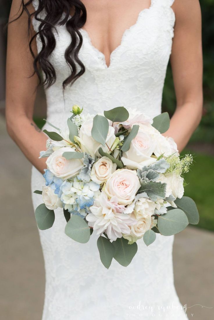 Augusta Jones Stephanie, $1,500 Size: 8 | Used Wedding Dresses