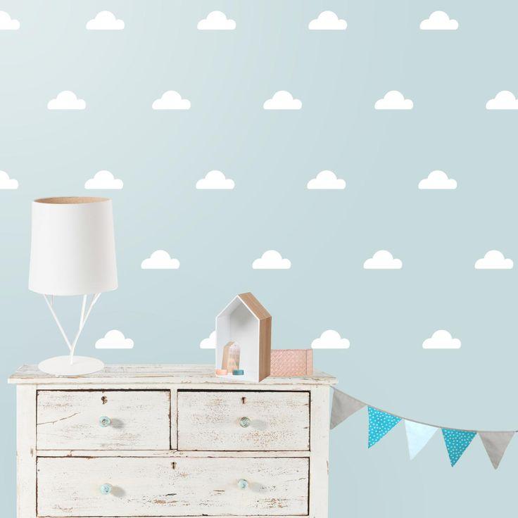 Vinilo infantil Nubes. Dulce vinilo infantil de nubes naif que aportará una atmósfera actual, dulce y relajada a tu decoración. DISFRÚTALO EN NUESTRA WEB: http://dolcevinilo.es/vinilo-infantil-nubes