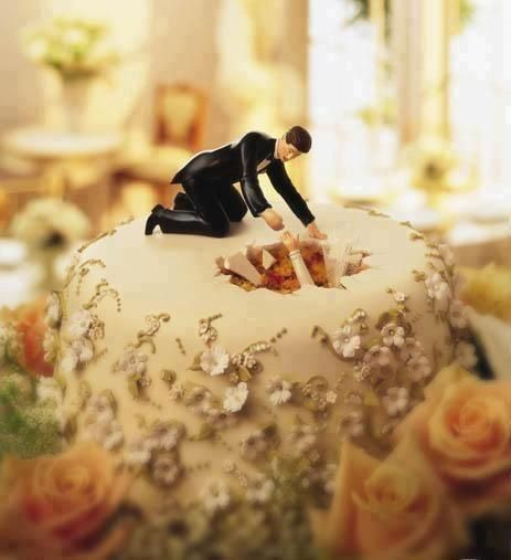 Funny wedding cake topper. Mum this would be hilarious!!