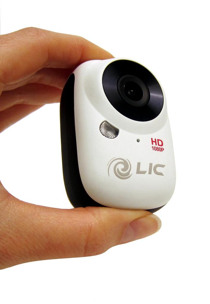 Liquid Image Ego - Kuvaa seikkailusi! Tosi kompakti Full-HD-videokamera WiFi:llä. Android- ja iOS-puhelimiin ladattavien ohjelmien avulla saat kontrolloitua kameran toimintoja ja käyttää digitaalista zoomia.    Roiskevesitiivis  Normaali kamerajalustakierre - kiinnitä vaikka GorillaPodiin!  Kuvausmoodit:  HD1080 30 kuvaa sekunnissa  HD720 60 kuvaa sekunnissa  Valokuva joka kolmas sekunti  Yksittäisvalokuvaus  www.ScandinavianOutdoorStore.com