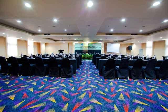 Hotel Aryaduta Makassar - Masamba 5  Capacity: 45 - 300 persons  Dimensions: 19 x 12 x 2.3  Located: Mezzanine Floor