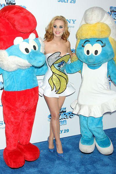 Katy Perry and Sofia Vergara get Smurfed