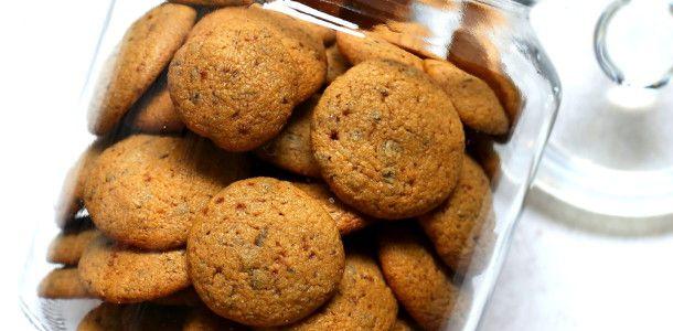 Pieguski - pyszne i popularne kruche ciasteczka z kawałkami czekolady
