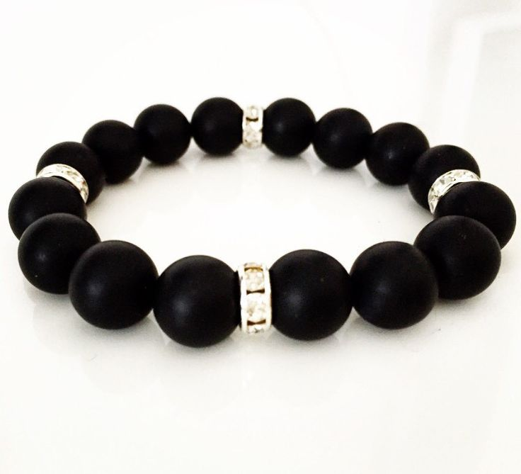 Armband Black pearl via mBracedesigns. Click on the image to see more!
