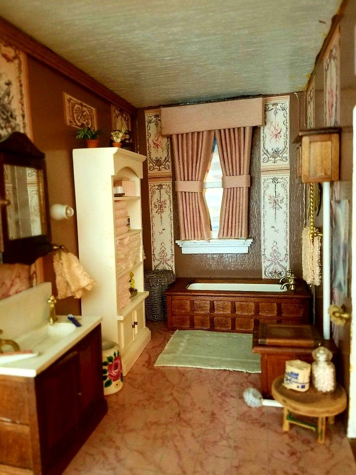 The bathroom in my Beacon Hill dollhouse
