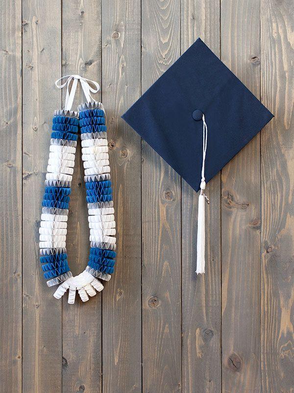 Cricut Graduation Lei