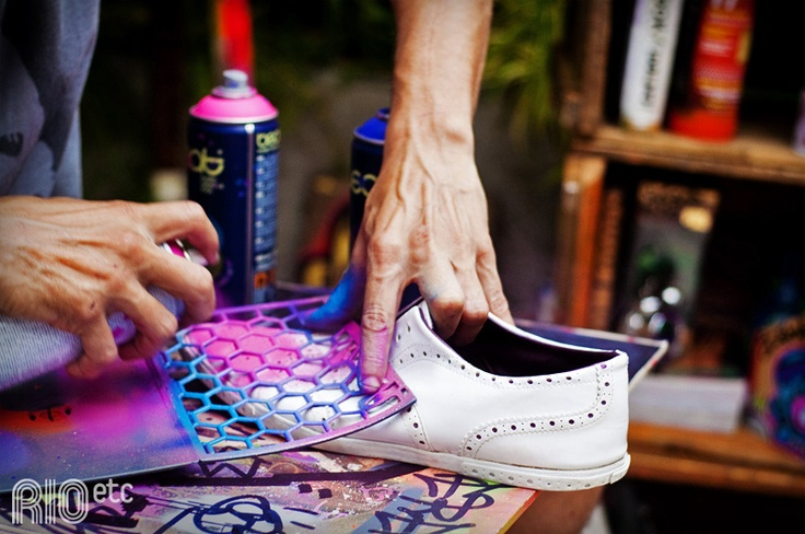 #DIY Give new life to your old sneakers! #eventsPA #pinterest