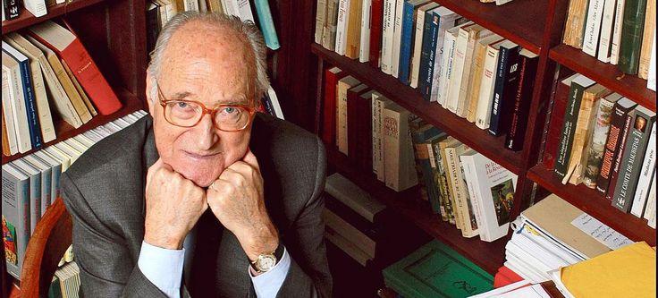 Alain Decaux, l'homme qui a fait aimer l'histoire aux Français Check more at http://info.webissimo.biz/alain-decaux-lhomme-qui-a-fait-aimer-lhistoire-aux-francais/