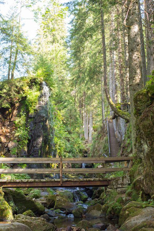 Menzenschwander Wasserfall im Schwarzwald © Hochschwarzwald Tourismus | Mein schönes Land bloggt