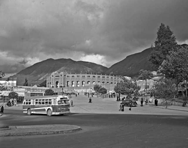 Plaza de Toros de Santamaría 1950 Saúl Orduz Fondo Saúl Orduz / Colección Museo…