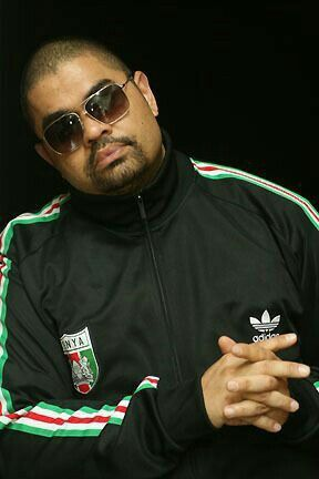 """Heavy D (born Dwight Arrington Myers) aka the Overweight Lover rapper record producer singer actor and former leader of rap group Heavy D & the Boyz (which included G-Whiz """"Trouble"""" T. Roy (for which  Heavy D's cousin Pete Rock and CL Smooth's They Reminisce Over You - T.R.O.Y. is dedicated) and Eddie F.). His hits included Now that We Found Love Don't Curse Gyrlz They Love Me Got Me Waiting Nuttin' But Love plus Janet Jackson's Alright and Michael Jackson's Jam rap verses. R.I... #music"""