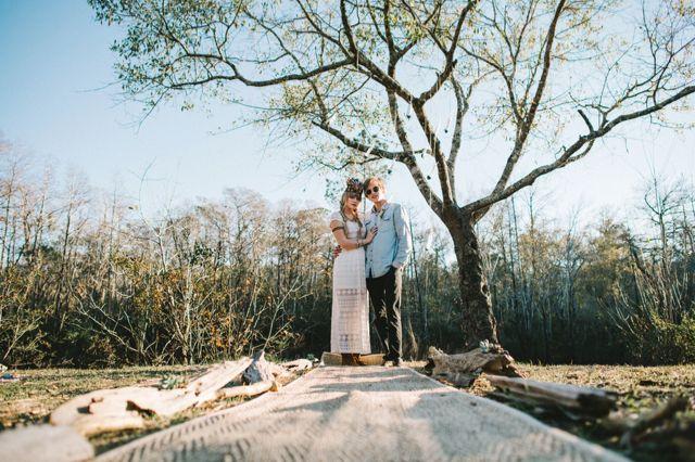 Bohemian outdoor wedding ceremony | Hello Miss Lovely Photography | http://burnettsboards.com/2014/01/free-spirited-bohemian-diy-wedding/