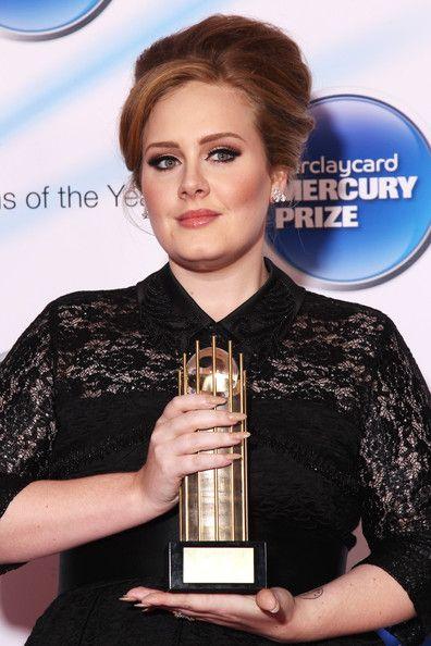 Adele 60s mod-inspired hair