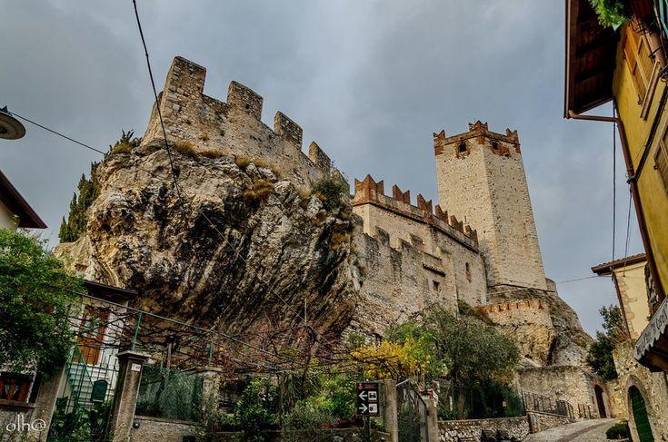 Мальчезине / природа, красота, архитектура, италия, средневековье, озеро гарда, мальчезине, malcesine, castello scaligero, замок скалигеров