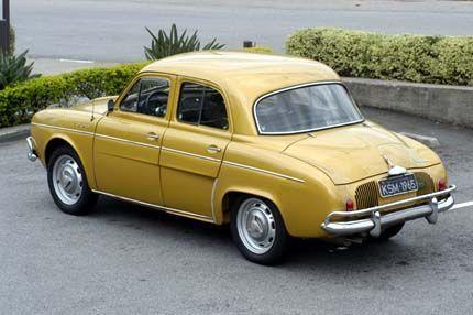 Há carros que deixaram saudade, e o Renault 1093, fabricado sob licença da Renault pela Willys-Overland do Brasil, é um deles. O meu era dessa cor, 1964, e comprei-o de um amigo, pouco rodado. Mui…