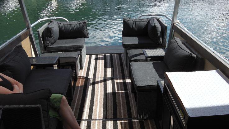Custom 21-Foot Pontoon Boat   Global Product Reviews