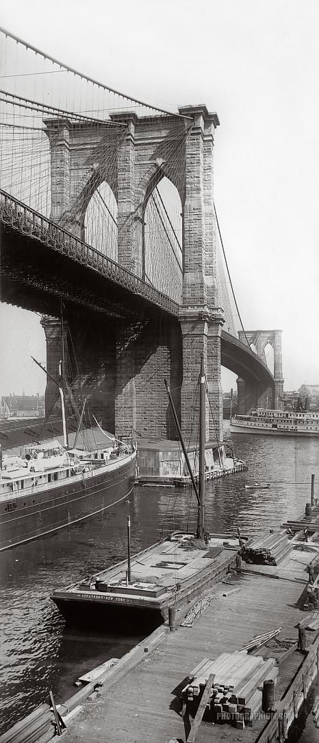 BROOKLYN BRIDGE | BROOKLYN / MANHATTAN | NEW YORK CITY | USA: *Opened: 24 May 1883; Hybrid Cable-stayed/Suspension Bridge, crossing the East River, connecting Civic Center, Manhattan and Dumbo/Brooklyn Heights, Brooklyn; Road and rail bridge* Photo: 1896