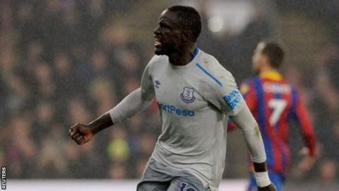 """Oumar Niasse went on to score the equaliser in the 2-2 draw with Crystal Palace  Everton  striker Oumar Niasse has become the first Premier League player to be  charged by the Football Association for """"successful deception of a match  official"""".  The Senegal international won a controversial penalty after minimal contact from Scott Dann in Saturday's 2-2 draw with Crystal Palace with Leighton Baines scoring the penalty. Niasse went on to score the equaliser at Selhurst Park. He has until…"""