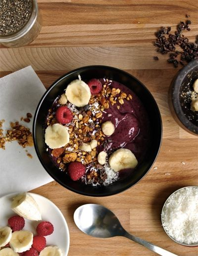 Healthy Dorm Cooking - Whether you live in a dorm, have a tiny kitchen, or find yourself traveling a lot, you know how hard it can be to eat healthy, delicious foods without all the appliances that you're used to. But before you throw in the towel and call for take-out, consider these dorm-friendly alternatives.