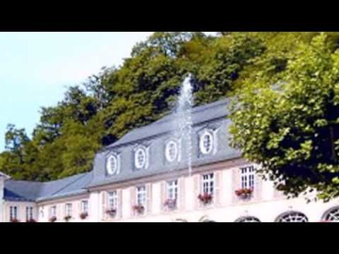 Hotel Zumbusch - Bad Bertrich - Visit http://germanhotelstv.com/zumbusch This family-run hotel offers comfortable accommodation in the heart of Bad Bertrich right next to the famous Mosel-Eifel-Klinik Germany's leading vein clinic. It is 200 metres from the thermal baths. -http://youtu.be/gwylwCzaLEk