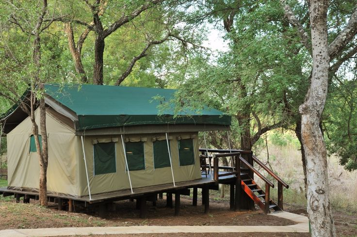 Chisomo is a perfect hub for exploring the tourism hotspots of the Valley of the Olifants as the camp is located closely to both the Blyde River Canyon and the Kruger National Park.